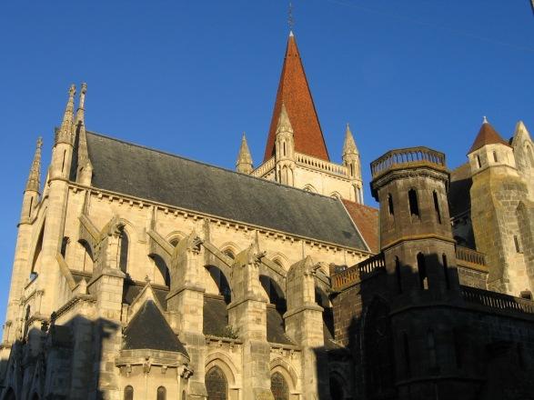 FRANCE_-_Auvergne_-_Aigueperse_-_L'église